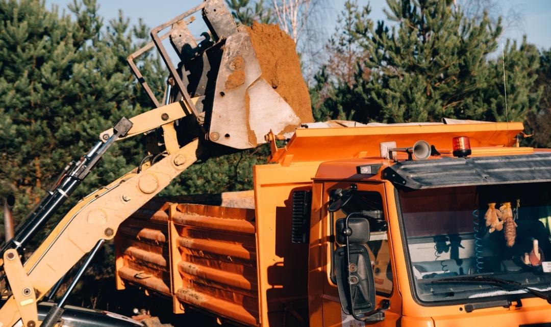 földmunka szállítmányozás - Székesfehérvár